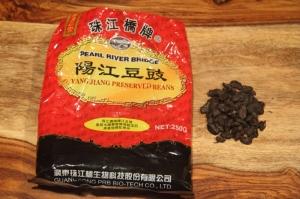 Fermented black beans (dou chi, 豆豉)
