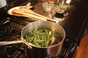Asparagus, blanching briefly