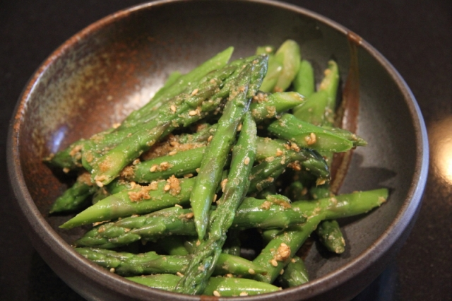 Asparagus with sesame sends