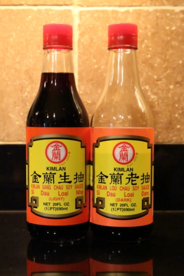 Light and dark soy sauces