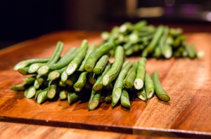 Long beans, after being sliced into shorter beans