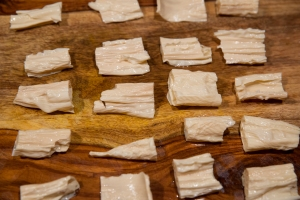 Tofu skins, cut into bite-sized pieces after soaking and softening in hot water for 30 minutes